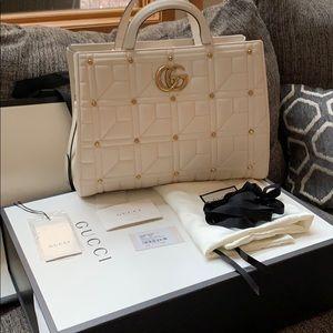 💯 authentic Gucci white handbag